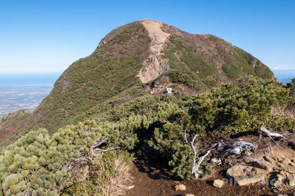 斜里岳 登山 北海道 馬の背 神社
