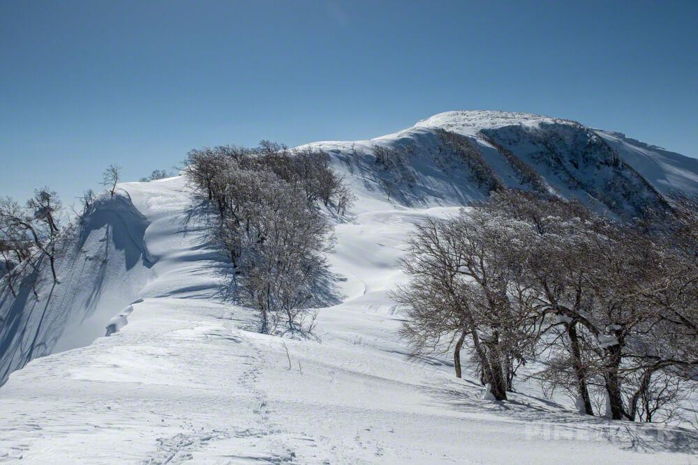無意根山 豊羽元山コース 登山 北海道 定山渓 雪庇