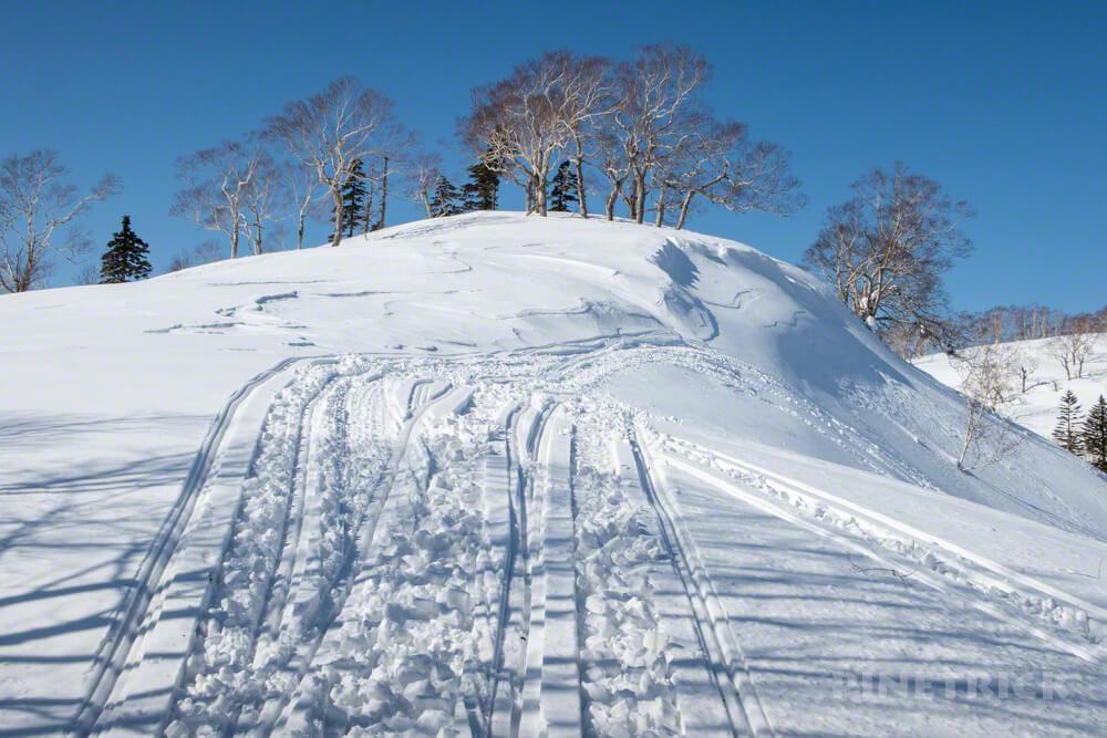 美比内山 登山 北海道 スノーモービル