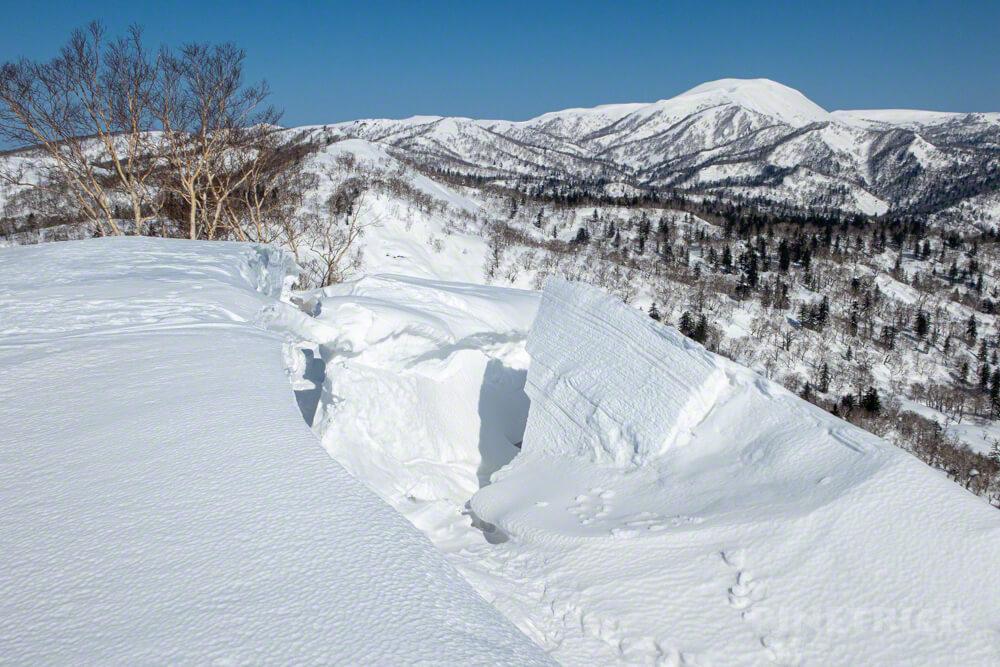 美比内山 余市岳 雪庇 崩落
