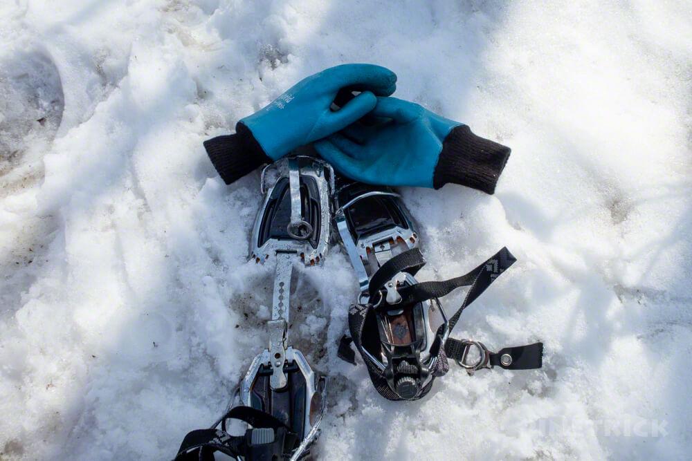 風不死岳 北尾根ルート 登山 北海道 アイゼン ゴム手袋