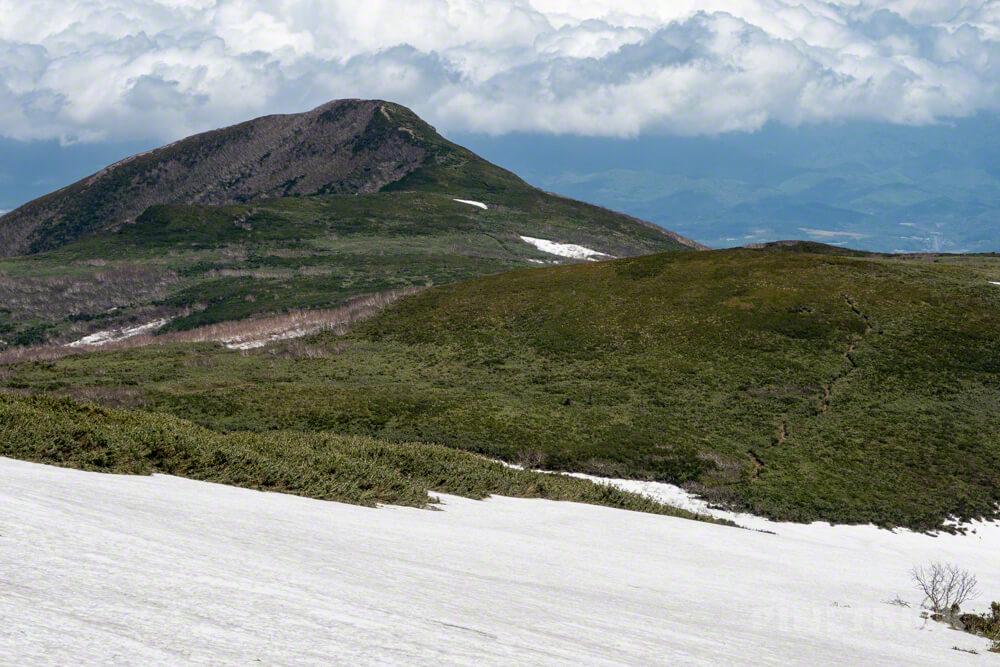 雷電山 岩内岳 登山 残雪 北海道