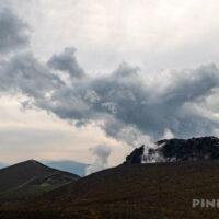 樽前山 登山 北海道 溶岩ドーム 噴煙